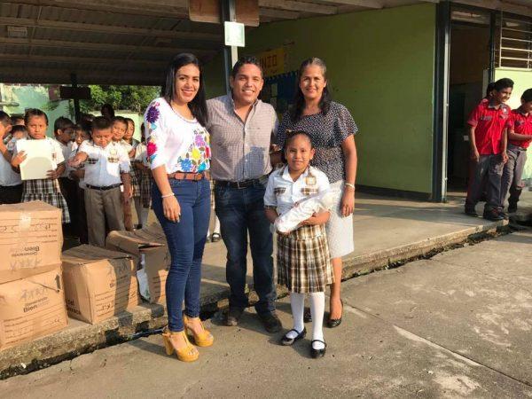 Inicia Presidente de Jalapa de Díaz programa de apoyo educativo