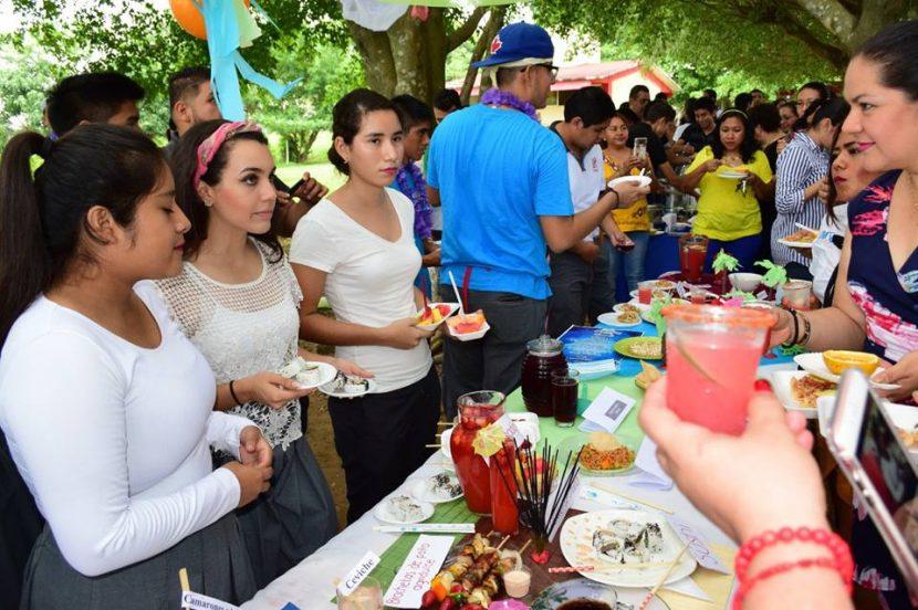Realiza COBAO Tuxtepec muestra gastronómica