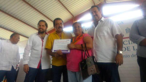 Entrega  Subsecretario de SEDESOL apoyos en la comunidad de Bethania