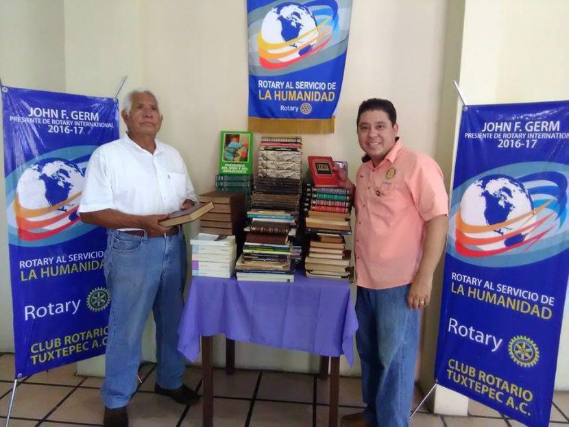 Entrega Club Rotario más de mil 500 libros en comunidades