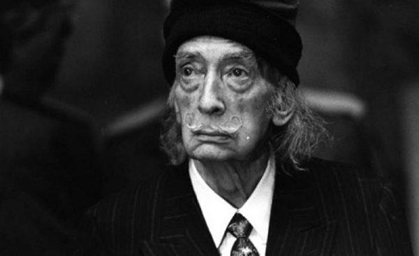 Exhumarán a Salvador Dalí por una demanda de paternidad