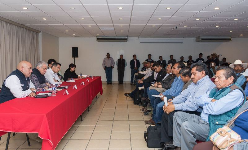 Instala Alejandro Murat Mesa de Atención a Víctimas de San Juan Mixtepec