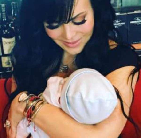 ¡Qué ternura! Maribel Guardia comparte foto con su nieto