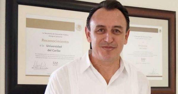 """Rector es destituido dos días después de que activistas gritaron a Calderón """"asesino"""""""
