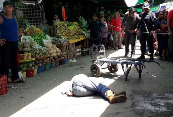 Acribillan a persona en la Central de Abastos de Oaxaca