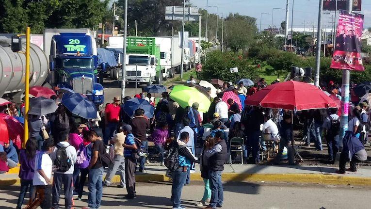 Inicia CNTE tres días de bloqueos, por caso Nochixtlán