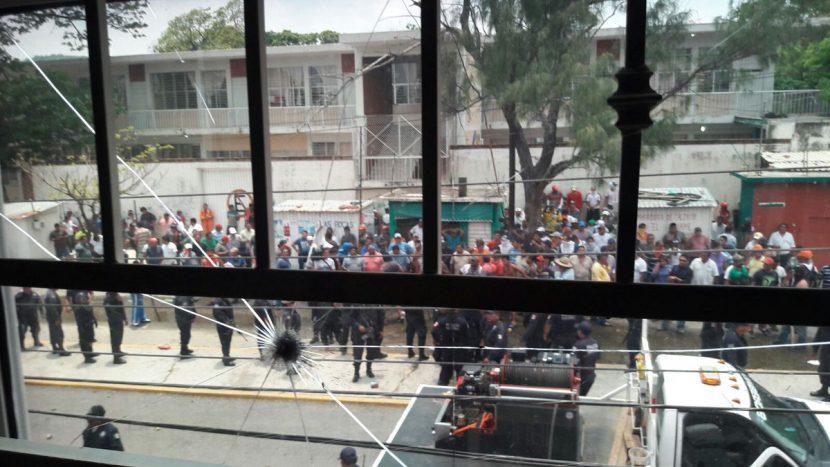 Se revela CTM contra su líder en Salina Cruz, buscan derrocar a Hipólito Rojas