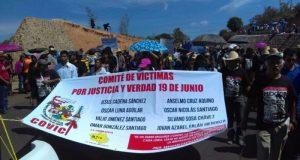 Marcha la CNTE en Nochixtlán, a un año del enfrentamiento con la policia