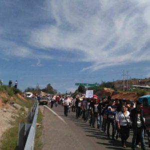 Marchan mentores; a un año del enfrentamiento en Nochixtlán