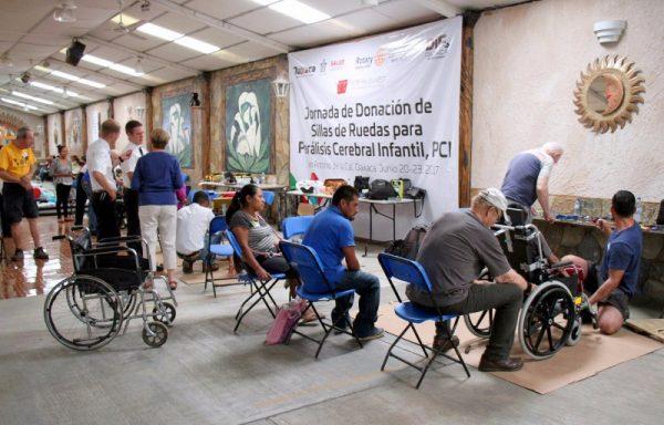 Apoyan DIF Estatal y Club Rotario Guelaguetza a niños con Parálisis Cerebral