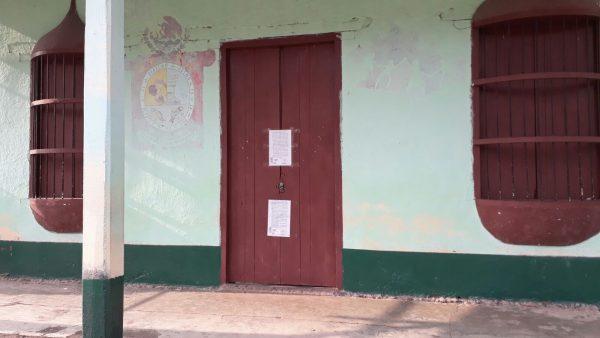Maestros bloquean la supervisión 111 en Valle Nacional