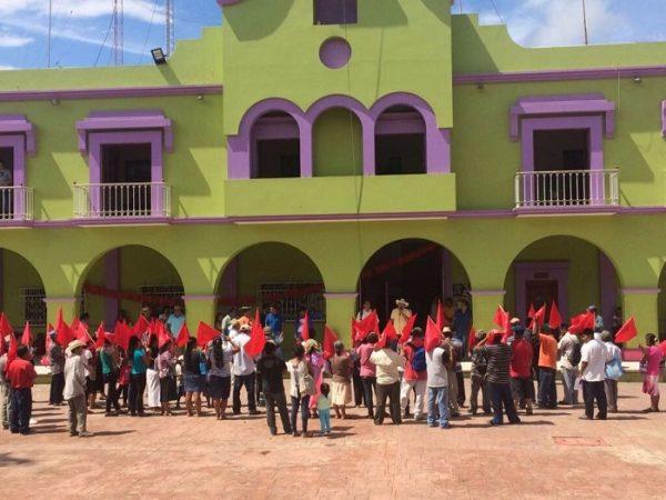 Antorchistas piden a edil de Putla que cumpla promesas de campaña