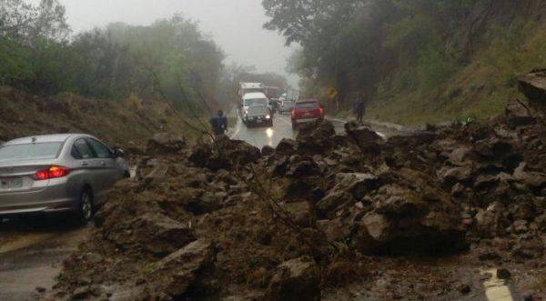 Daños de la tormenta tropical Beatriz en Oaxaca