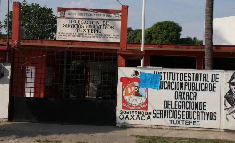 Cumple una semana el paro en oficinas del IEEPO de Tuxtepec