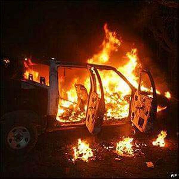 Arde camioneta en comunidad de Valle, policías llegan 3 horas tarde