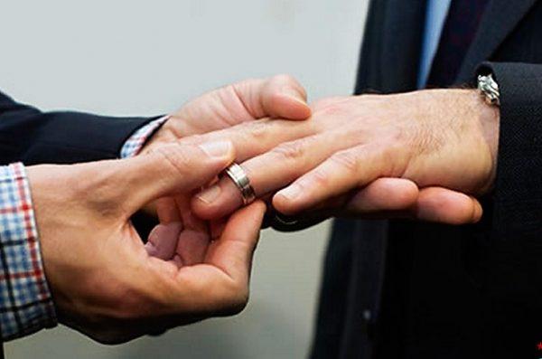 Registro civil capta primera solicitud para matrimonio igualitario, tras aprobarse en Oaxaca