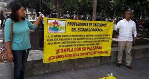 Proveedores de uniformes de Tuxtepec cerrarán negocios; están en la quiebra