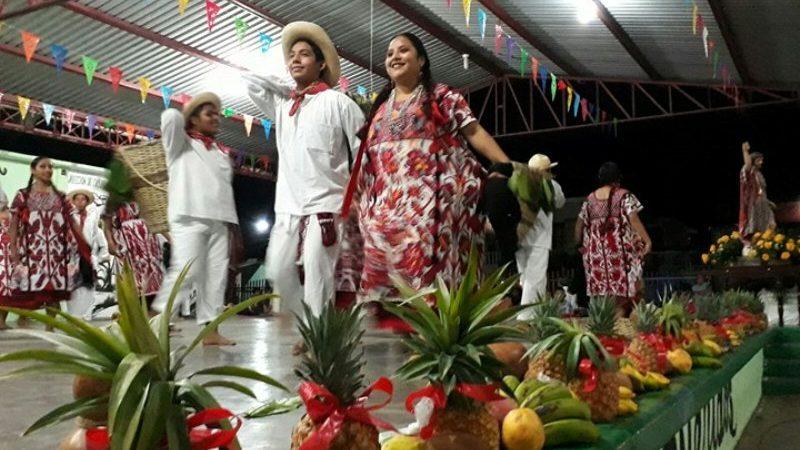 En el marco de la Fiesta del Santo Patrono en Valle Nacional, realizan mini Guelaguetza