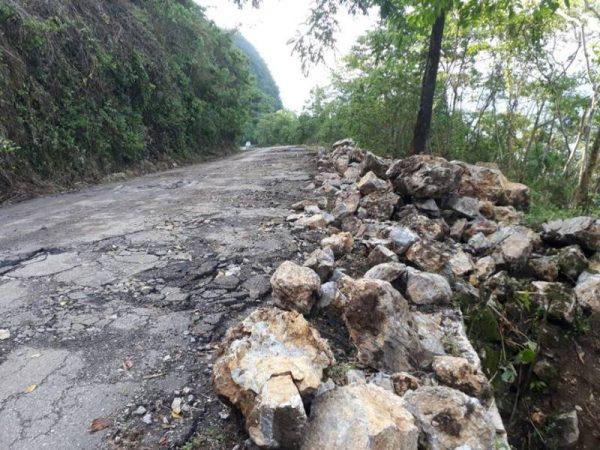 Entre deslaves y maquinaria, carretera de Valle sufre graves afectaciones