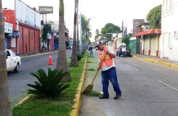 Mantenimiento a bulevares de Tuxtepec