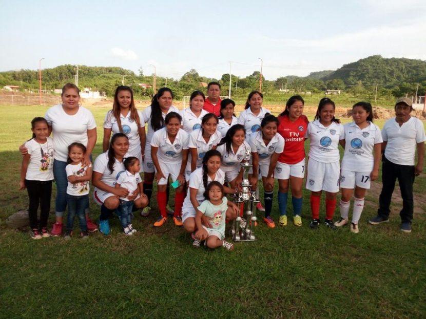 Chiltepec se corona por tercera ocasión, en la liga femenil de Valle Nacional