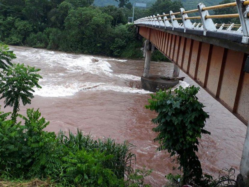 Valle Nacional, Jacatepec y Chiltepec en alerta ante crecimiento del rio
