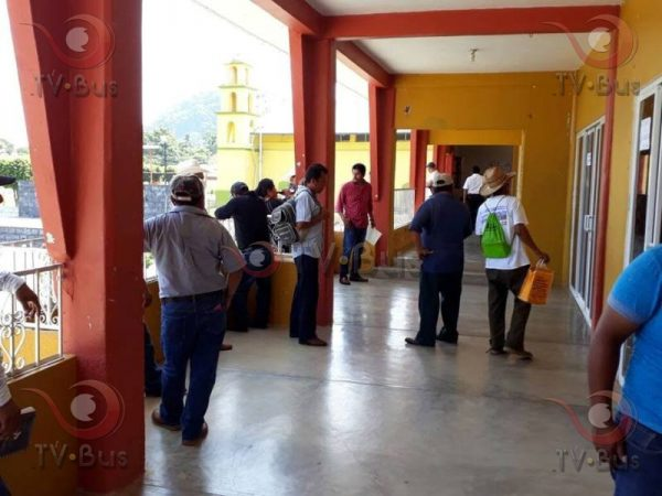 Exigen habitantes de Pinacho repriorización de obras a presidenta de Chiltepec