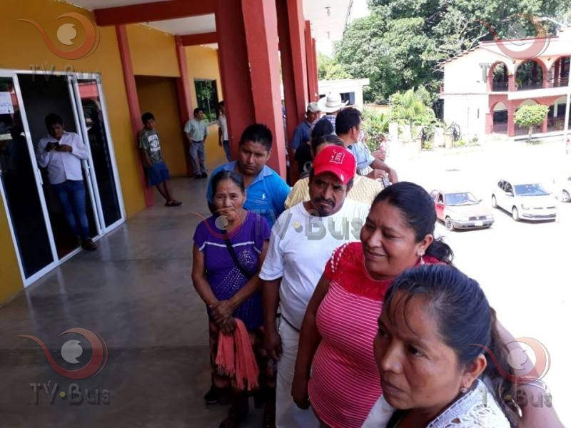 Agentes municipales exigen repriorización de obras en Chiltepec