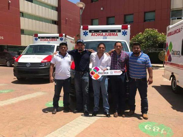 Recibe Jalapa de Díaz dos ambulancias del Gobierno del Estado E