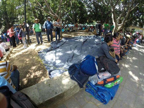 Instala CNTE casas de campaña en el Zócalo de Oaxaca