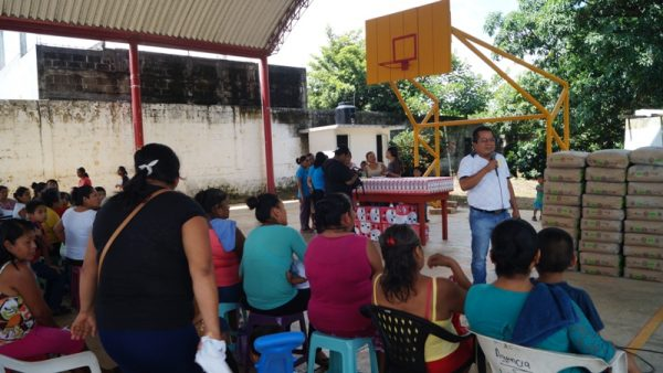 Bautista Dávila, vela por el bienestar de los tuxtepecanos: Santana Flores