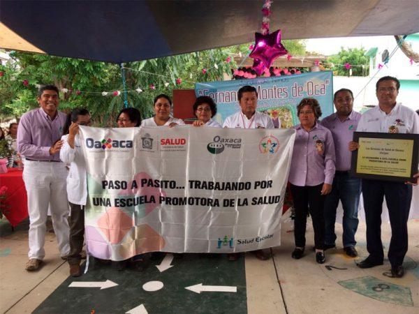 Levanta SSO cuarta bandera blanca en Escuela de la Mixteca