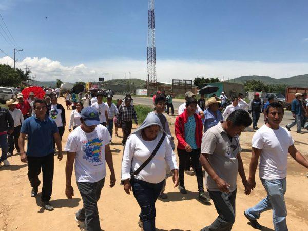Riña entre borrachos desata psicosis en la agencia Vicente Guerrero
