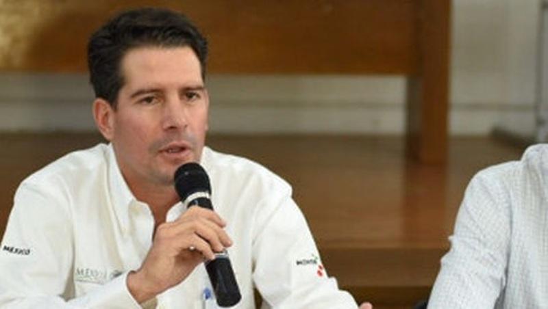 Por socavón, destituyen a delegado de la SCT en Morelos