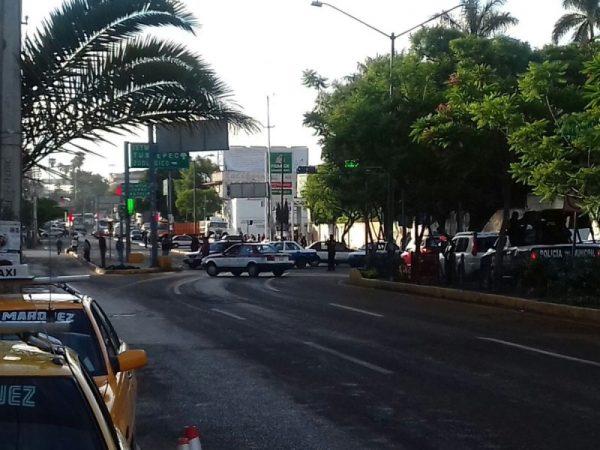 Transportistas madrugan y asfixian a oaxaqueños con bloqueos