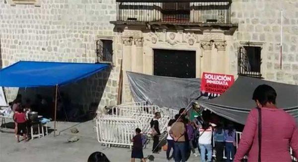 Bloquea FIPOO palacio municipal y calle Morelos