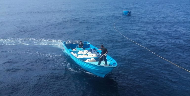 Aseguran embarcaciones con droga y gasolina en la costa