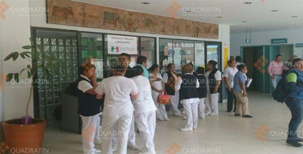 Cierran trabajadores Hospital de la Niñez Oaxaqueña por falta de insumos