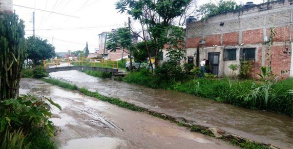 Onda Tropical número 12 ocasiona tormentas fuertes en Oaxaca