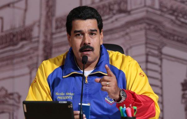 Maduro anuncia que va por la reelección en 2018