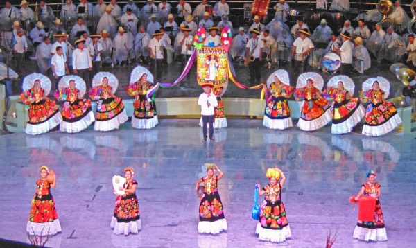 Si va Juchitán a la Guelaguetza… Doblega la alcaldesa a la Secretaría de las Culturas