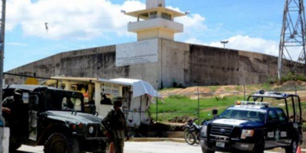 Confirman 28 muertos por riña en penal de Acapulco
