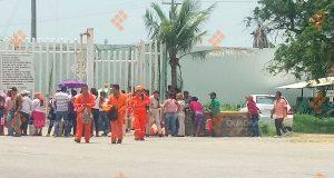 Habitantes toman acceso a refinería de Pemex en Oaxaca