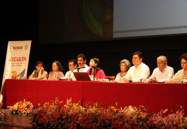 La Guelaguetza es solo un ejercicio de discriminación racial y de reflectores políticos: Samuel Aguilera