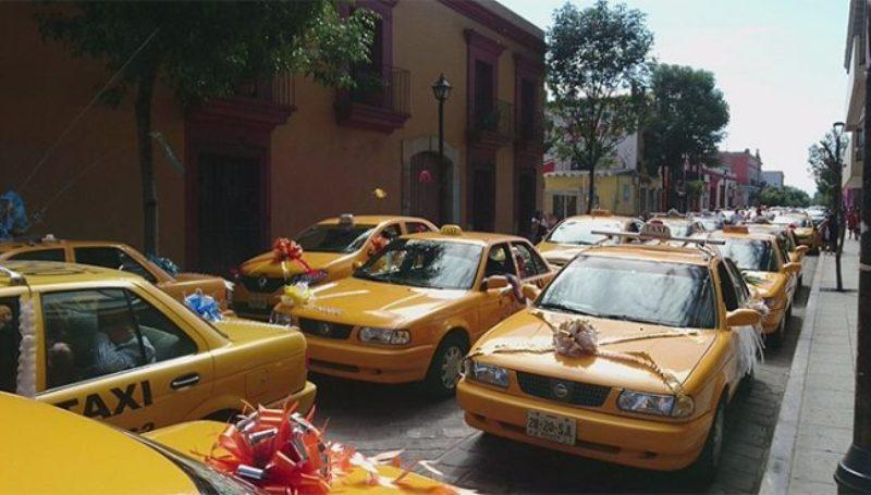 De fiesta el taxistas de Oaxaca