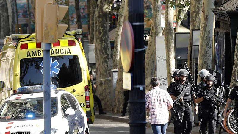Reportan varios muertos tras atentado en Barcelona