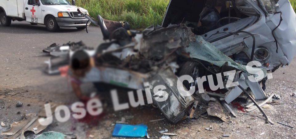 Fatal accidente en Tierra Blanca, deja dos mujeres y un hombre muertos
