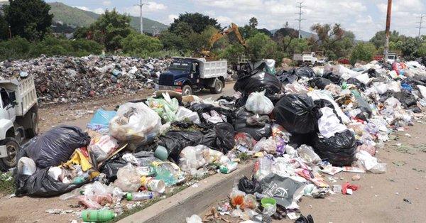 Continúa bloqueo en basurero del Istmo