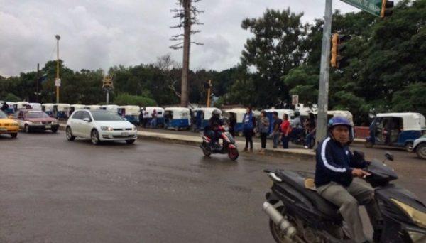 CTM se concentra en cruceros de la ciudad para exigir justicia por mototaxistas muertos