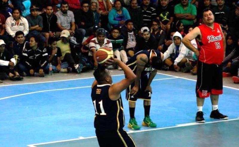 Equipo indígena de Oaxaca participa en torneo de baloncesto en Canadá